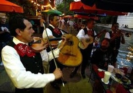 Mariachi banks on San Antonio Riverwalk